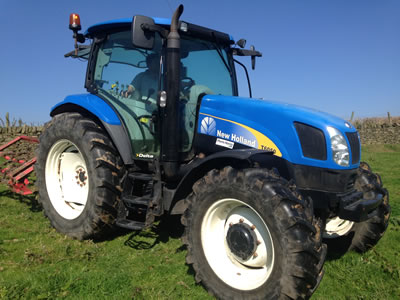 125hp tractor for hire