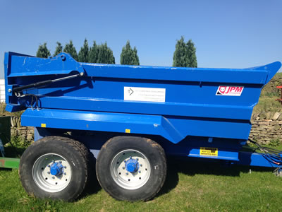 14 ton dump trailers for hire (side view)