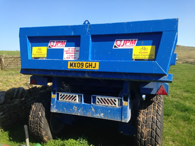 14 ton dump trailers for hire (rear view)