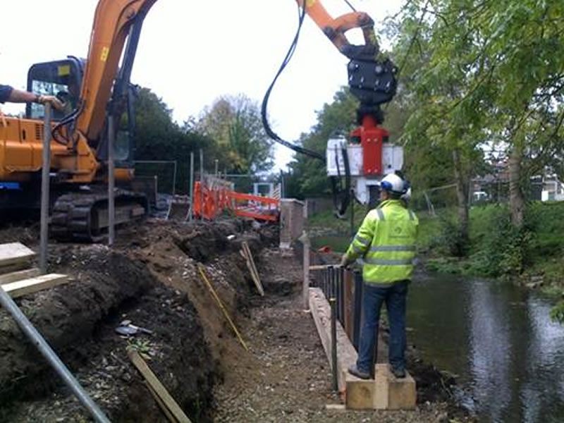 Ashbourne Flood Aleviation Scheme - sheet piles for scour protection