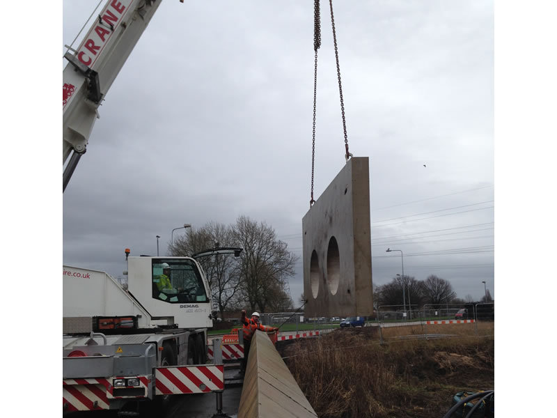 Warrington Phase 2 Flood Defence - flood wall construction